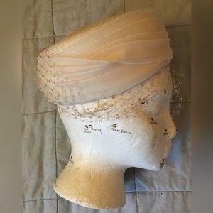 Vintage ladies fancy veil hat white cream Sharon